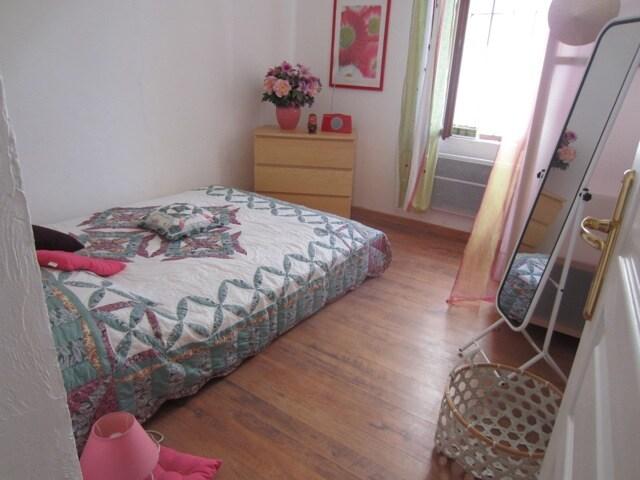 Chambre rose, 1er étage / Pink bedroom, 1st floor