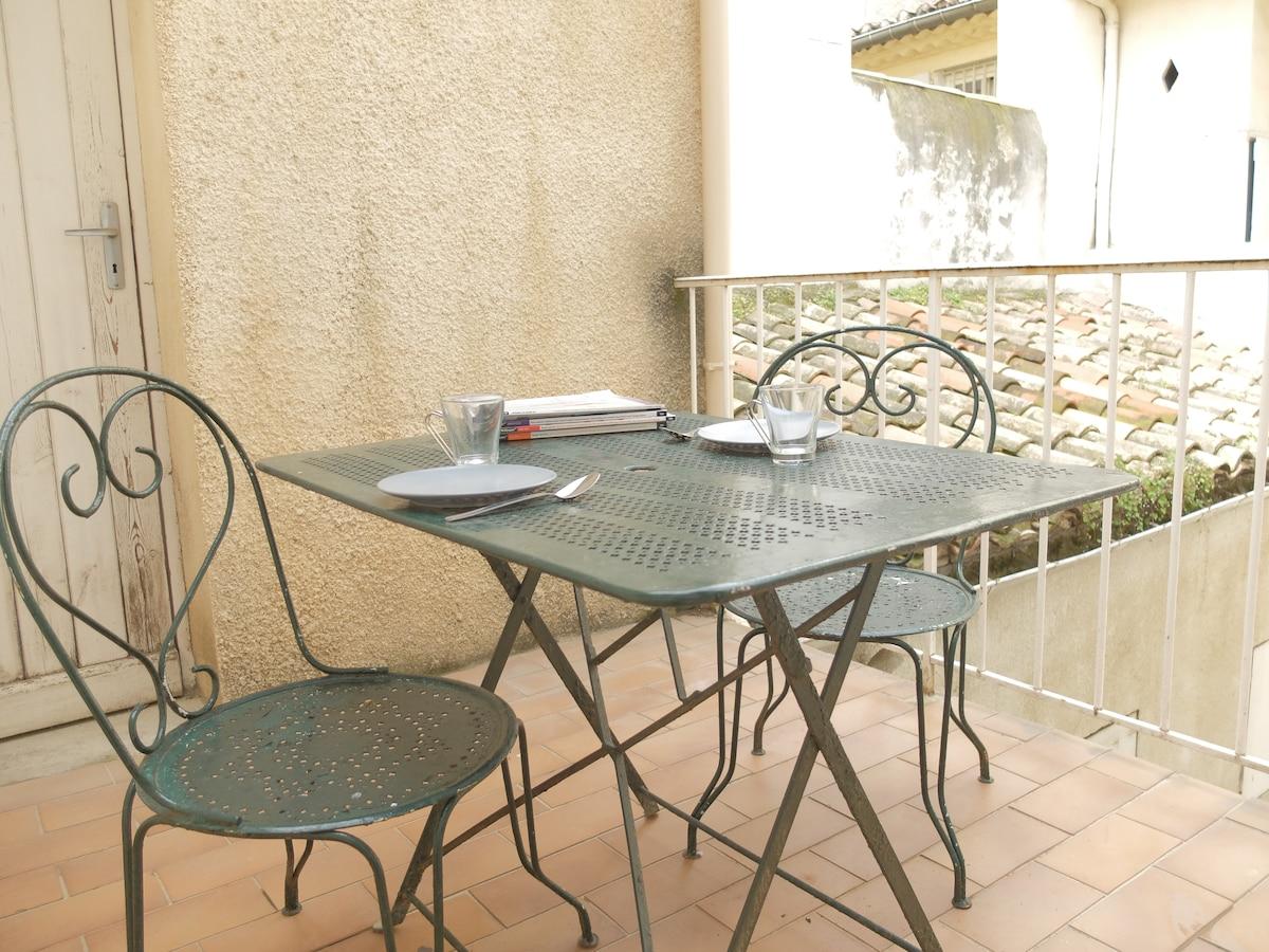 Studio avec terrasse ensoleillée