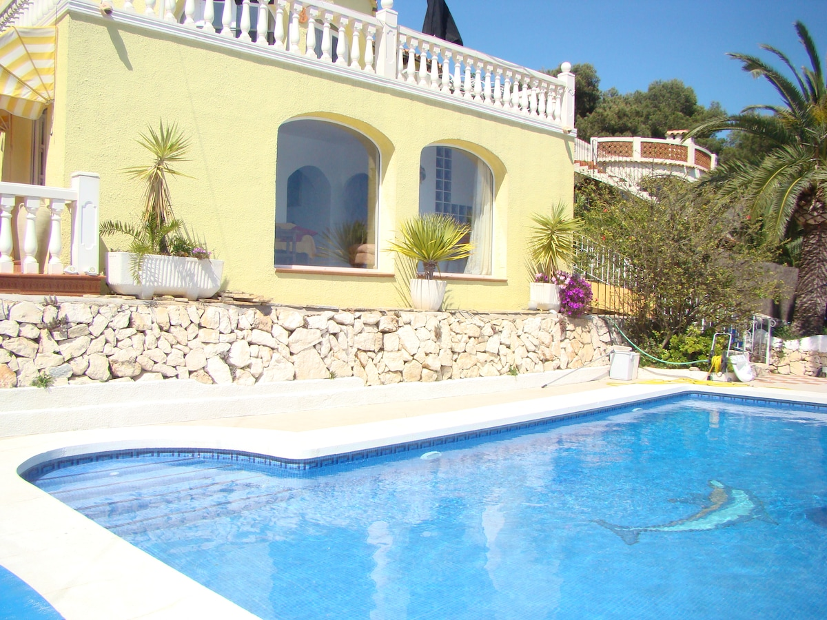 The sparkling pool is 10 feet long with steps and a shallow end for small  childen