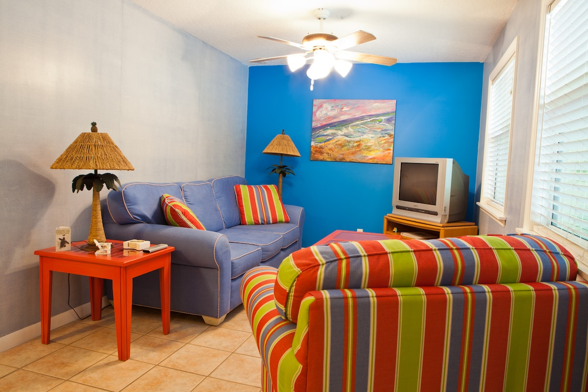 Pineapple Manor Vacation Apartment