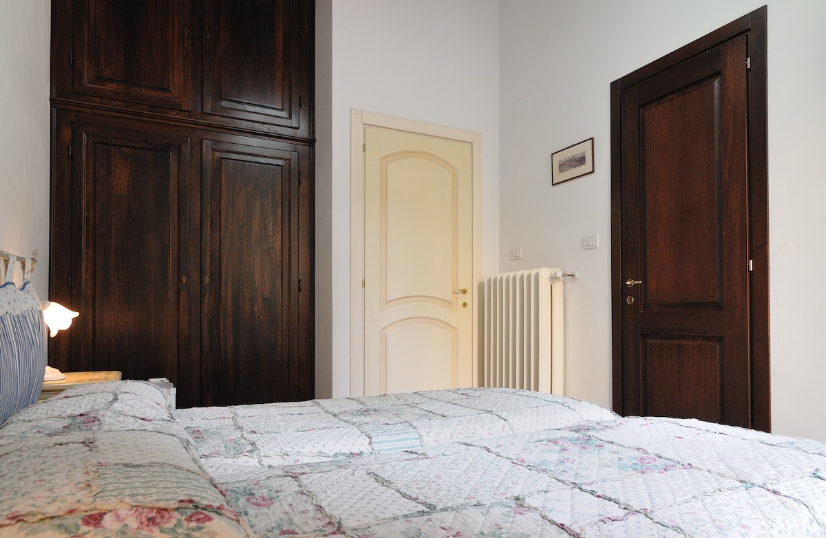Rooms five mins from the cathedral