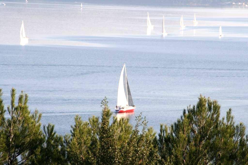 Petit mas en Provence superbe vue - Istres - Maison