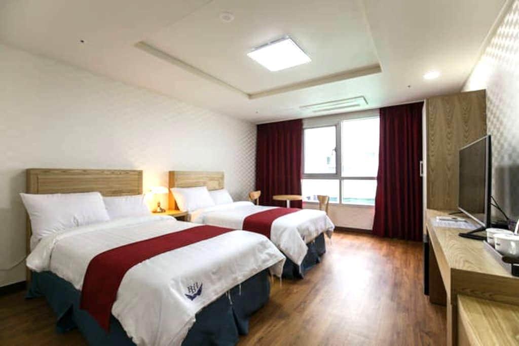 breezebay/single twin room(no view)② - Seogwipo-si