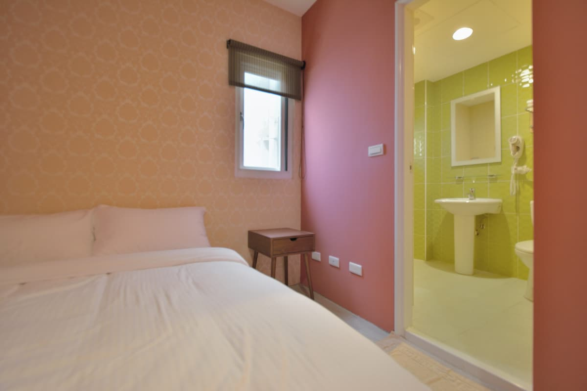 ❤ of Taichung 1min to Train Station