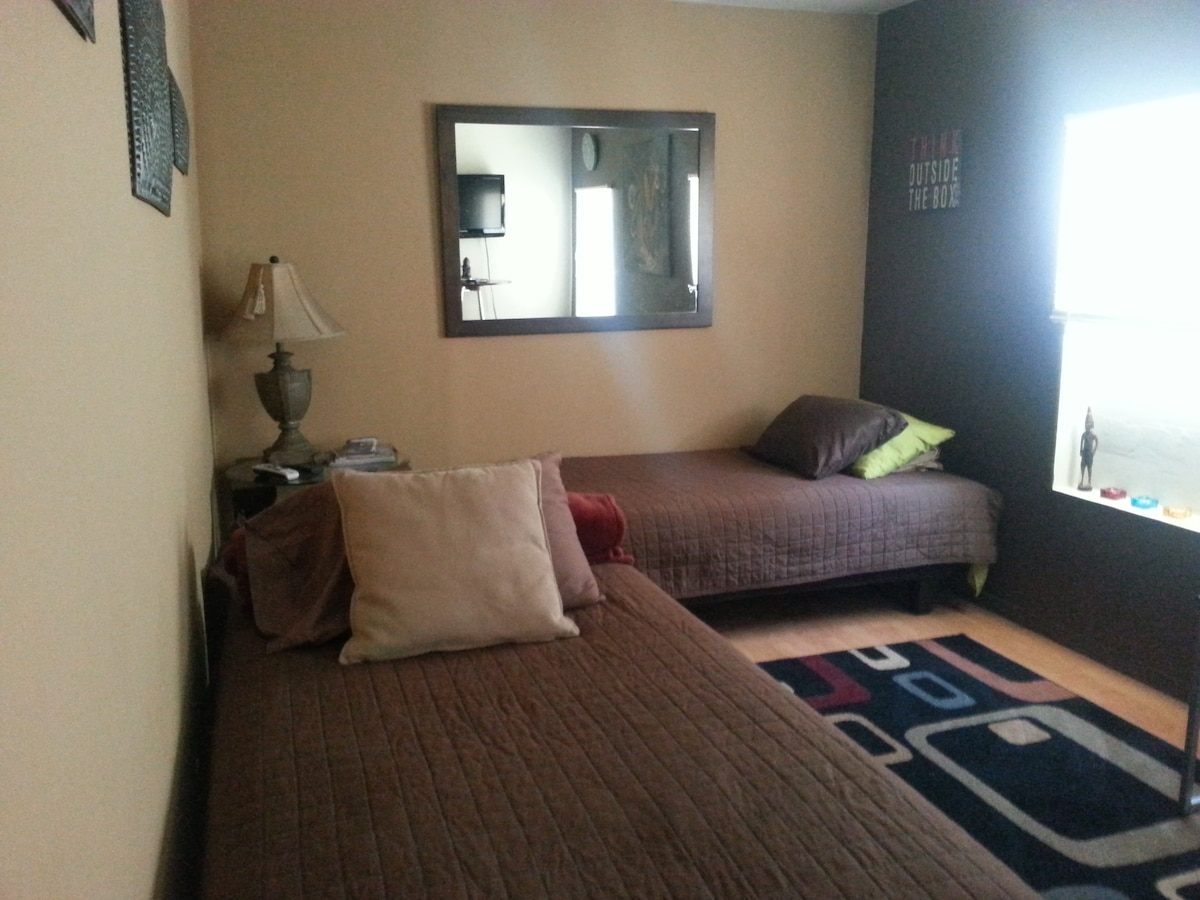 Room shown with 1 bed