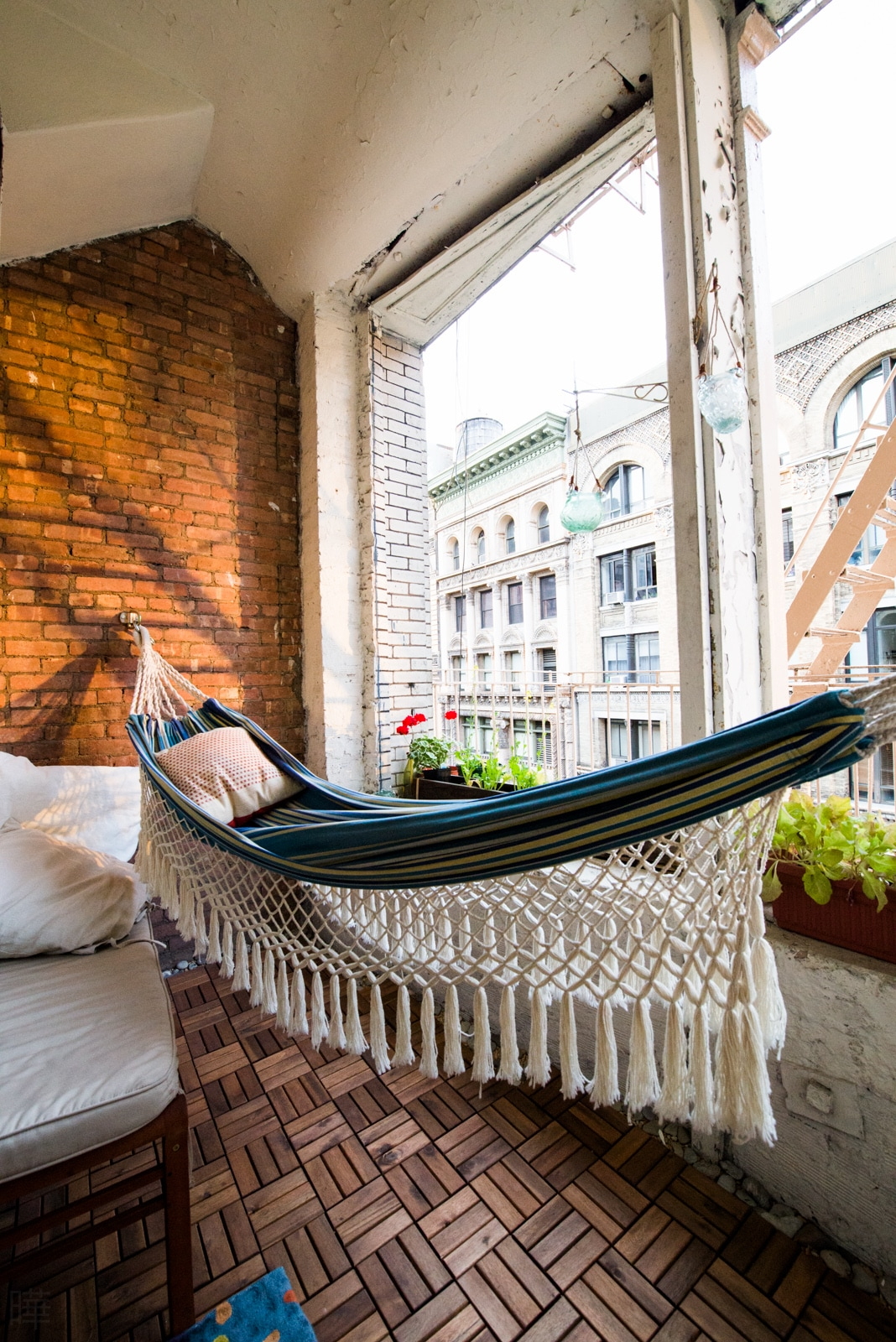 this bed's good for daydreams