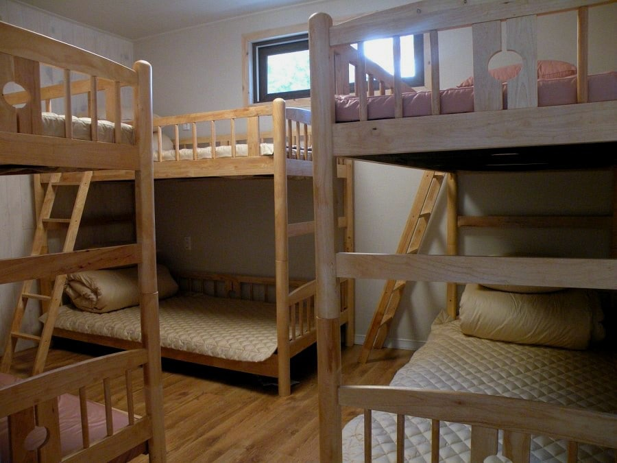 6 persons dormitory room