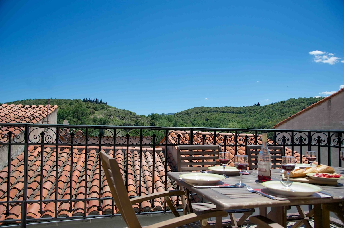 Meals al fresco with lovely views of the surrounding hills