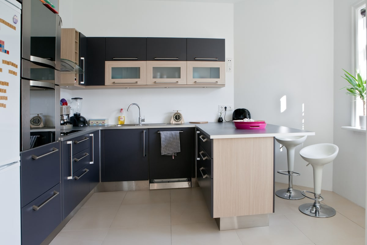 Very open and spacious kitchen