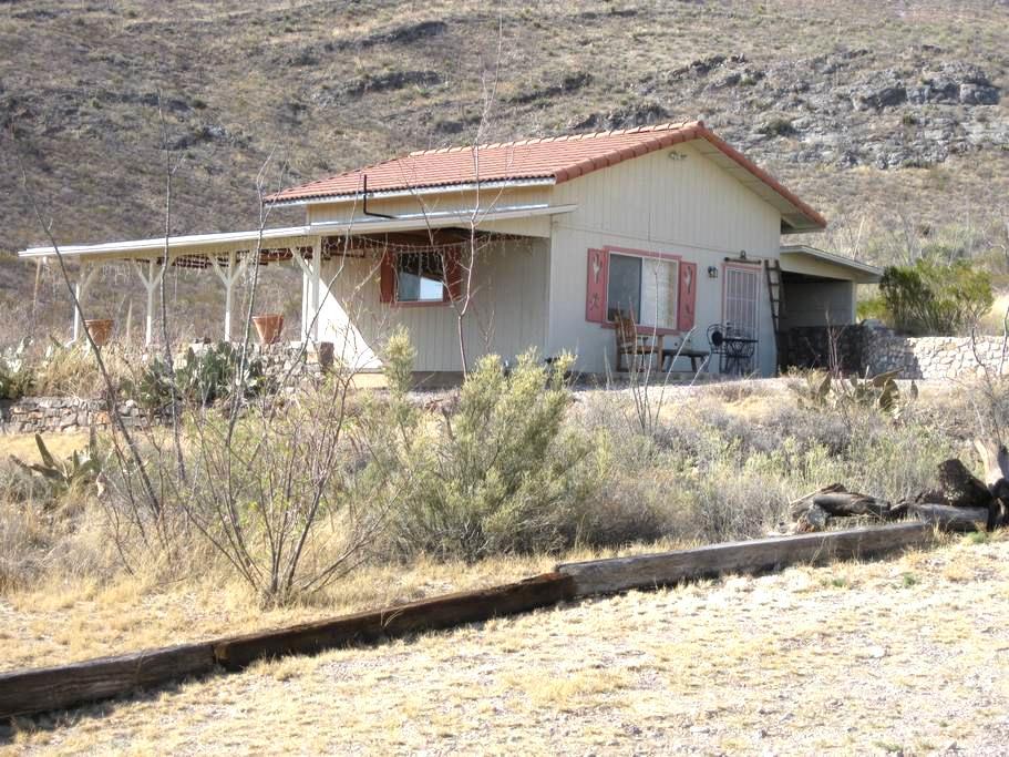 1 Canyon  getaway, quiet and quaint - Huachuca City - Villa