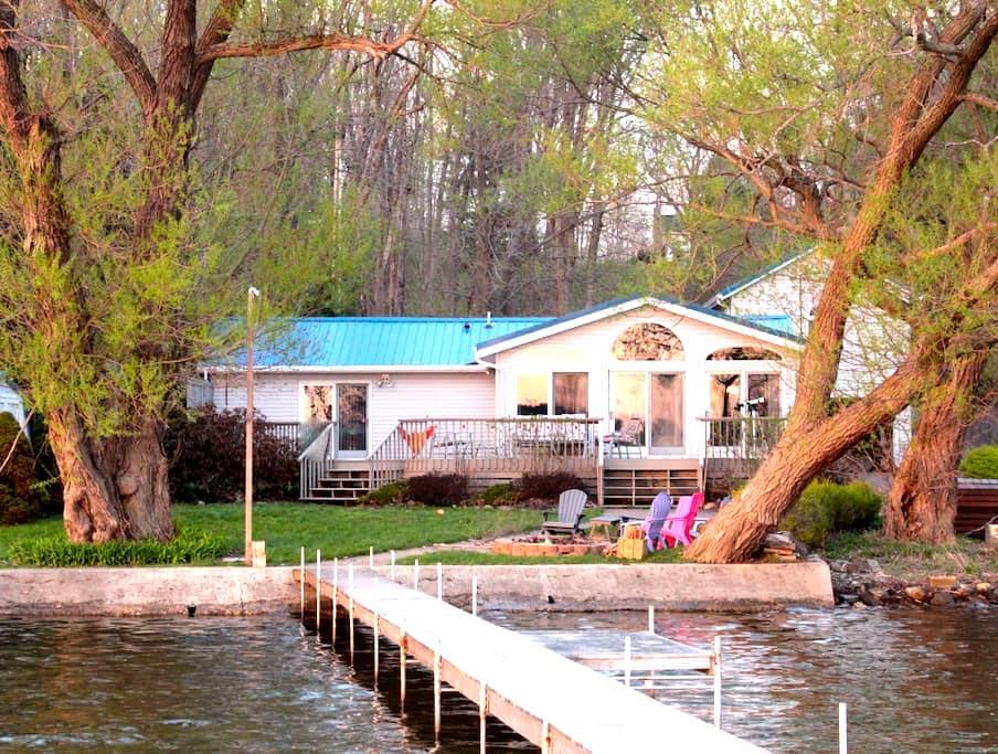 Lakefront Home w/Private Dock - Mayville