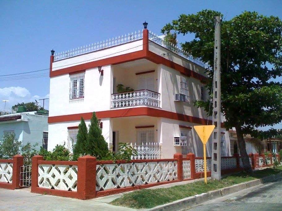 Villa Marlin - Cienfuegos - Szoba reggelivel