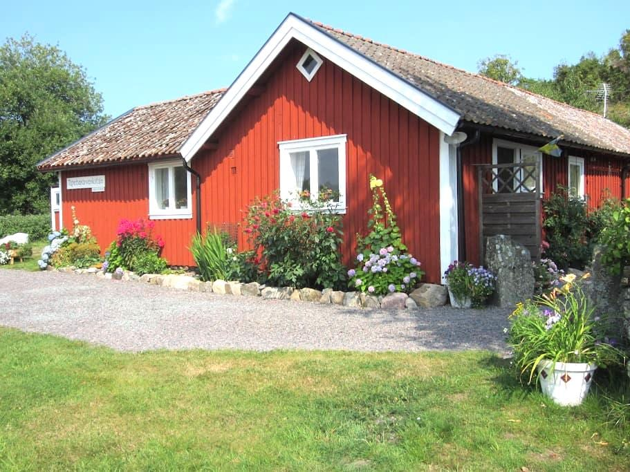 Cozy Farmhouse on the West Coast - Onsala - Hytte