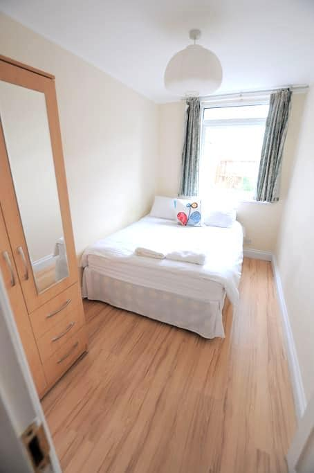 Lovely Room close to the Tower of London 23ER R4 - London - Haus