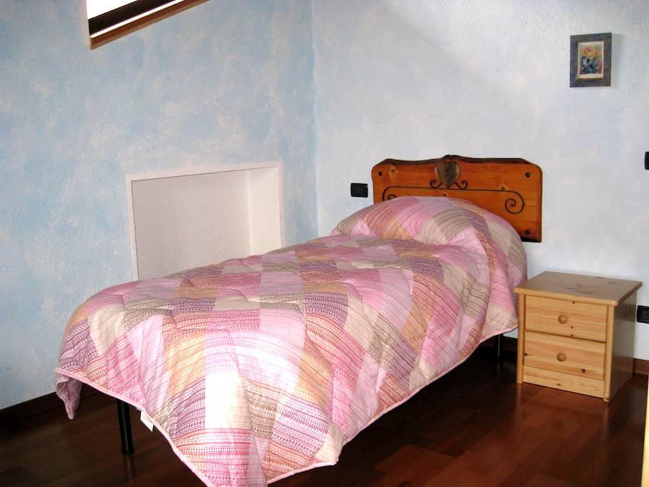 B&B L'AIGLE  Camera Tete Licony - La Salle - Bed & Breakfast
