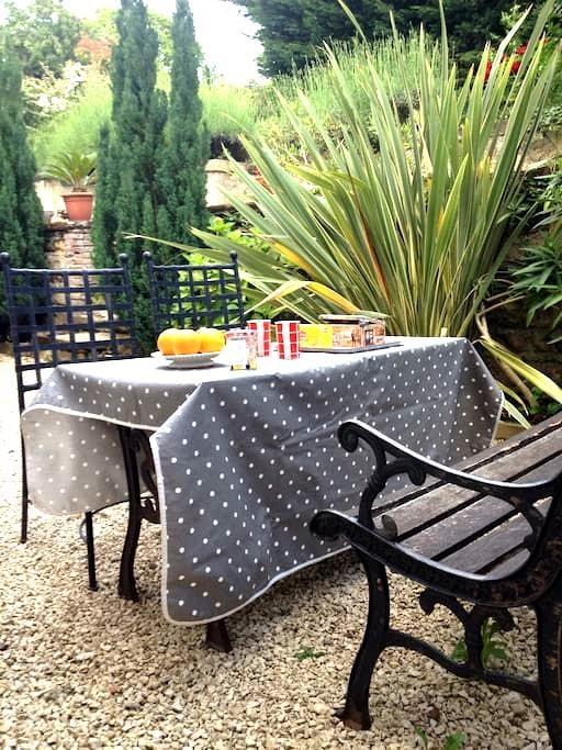 Chambre B&B sud LYON, Est de Lyon - Marennes - Bed & Breakfast