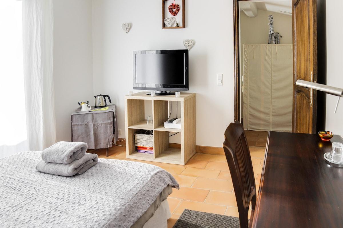 Plume chambre privée villen zur miete in valbonne provence