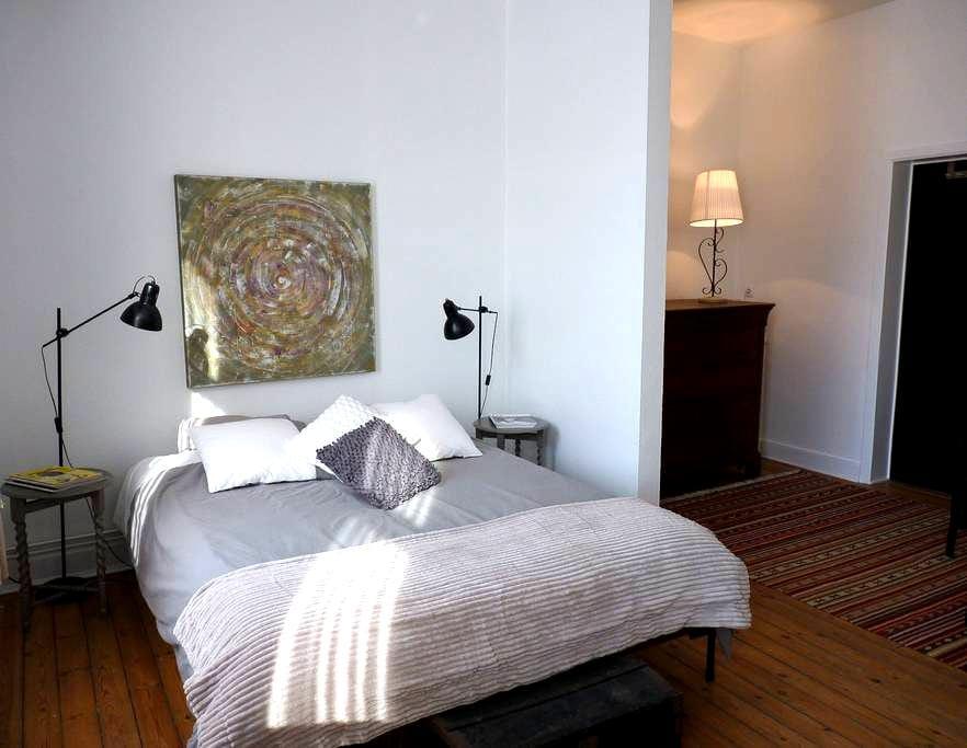 Appartement tourisme ou séjour professionnel - La Louvière