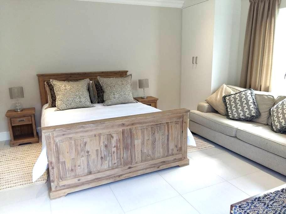 53 Pyracantha (Suite 1), Somerset West - 开普敦 - 公寓
