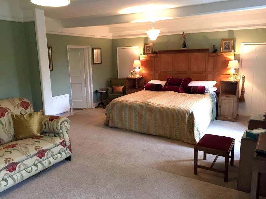 Huge, Spacious Suite with en-suite, North Norfolk, - Old Hunstanton - House