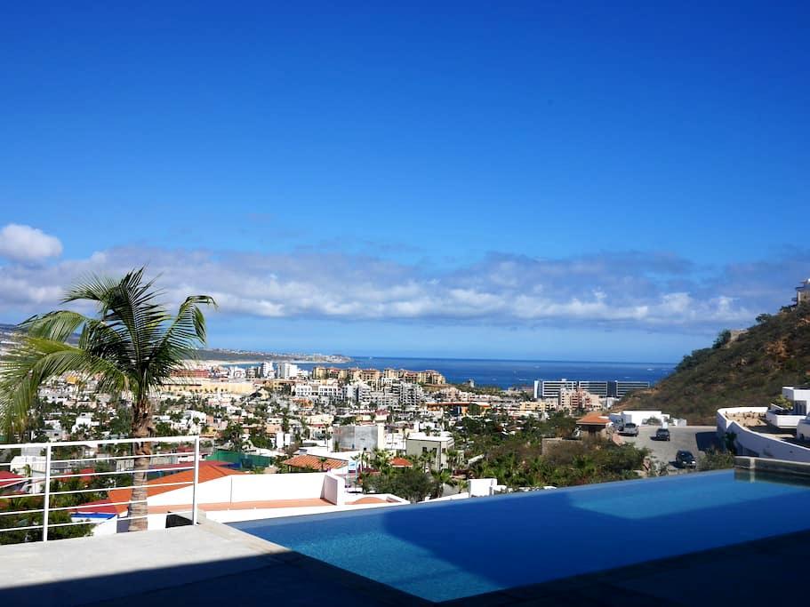 Swanky Modern Condo Overlooks Cabo - Cabo San Lucas