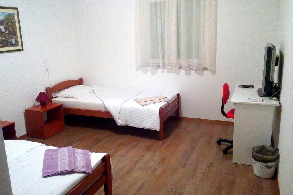 Rooms Airport Zagreb Room 9 - Velika Gorica