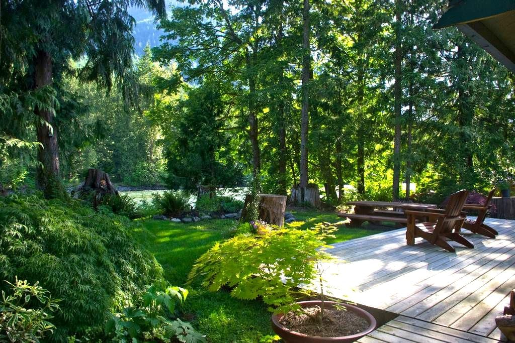 Chilliwack (Vedder) river cabin. - Chilliwack - Casa de campo