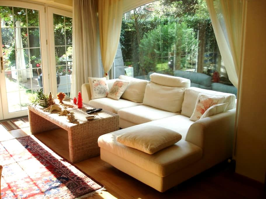 porzione di splendida villa con giardino - 卡麥奧雷
