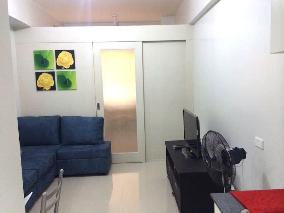 CONDO IN FRONT OF MOA/NEAR AIRPORT - Pasay