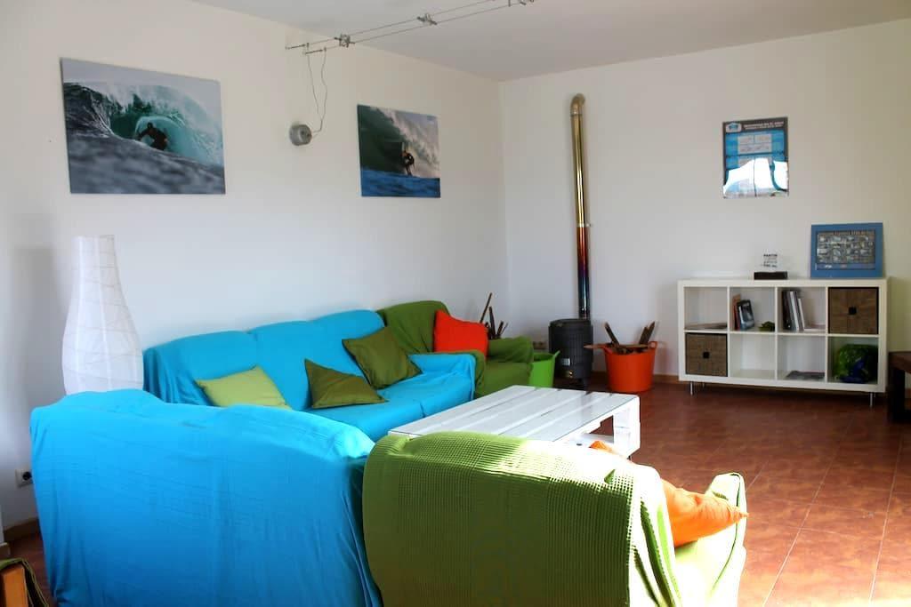 SURF HOUSE PLAYA DE PANTIN - Pantín - Dom