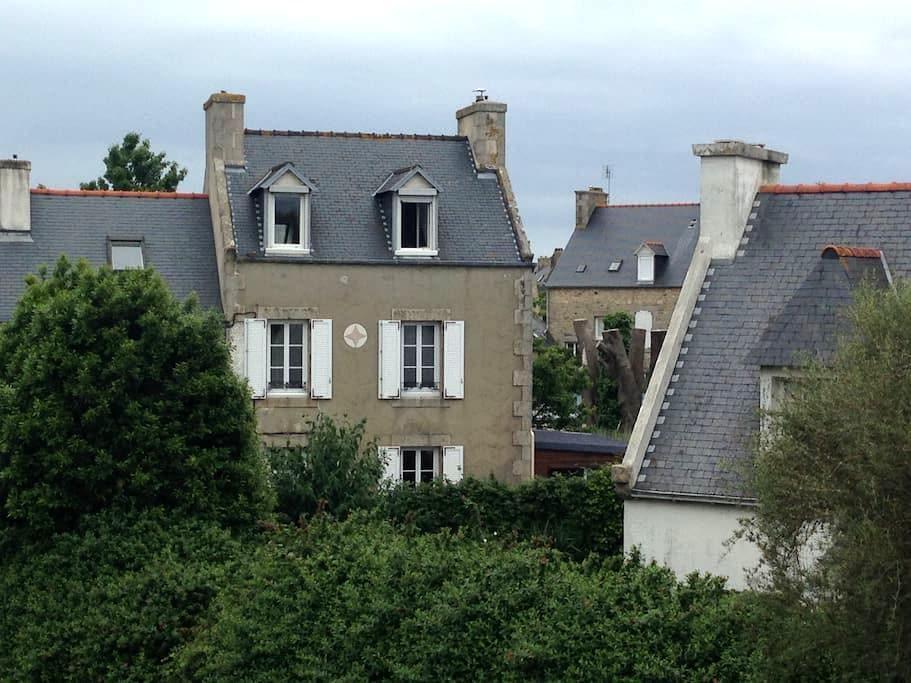 Charmante maison dans la cité corsaire de Roscoff - Roscoff