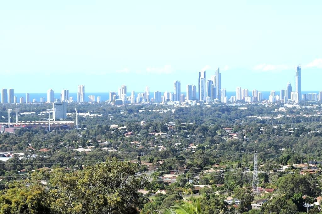 180° Panoramic view, 14km from coast - Highland Park - Hus
