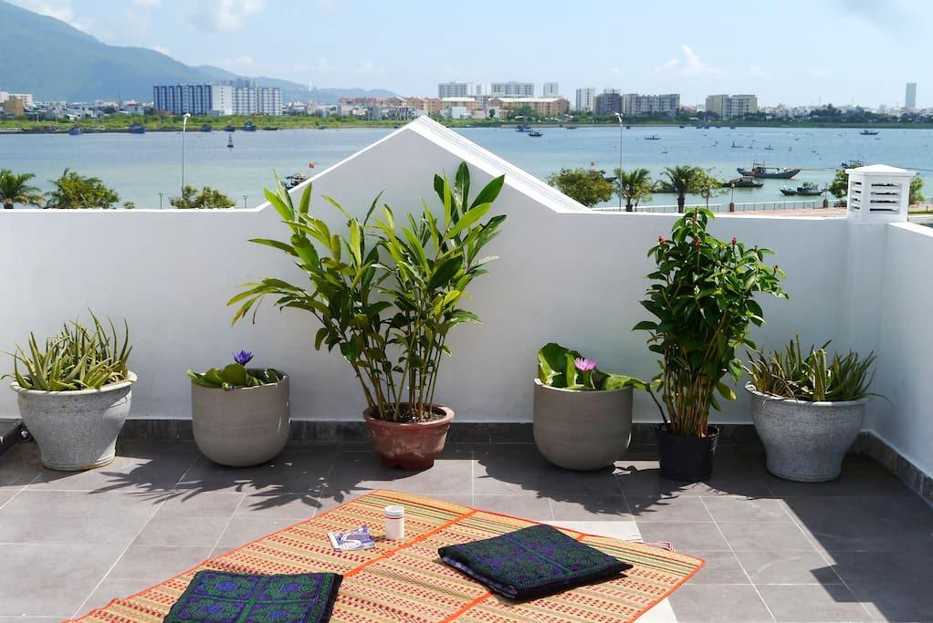 Ocean View - Top Floor Room - Đà Nẵng - Huis