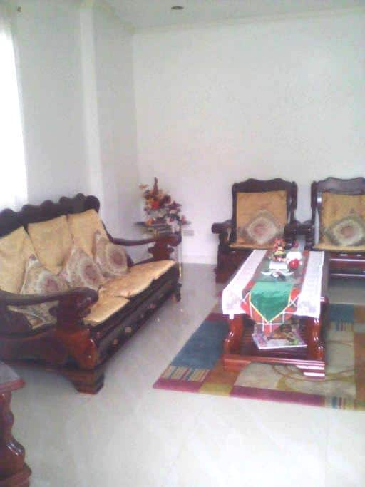 5)family entire house min.10-20pax - Baguio