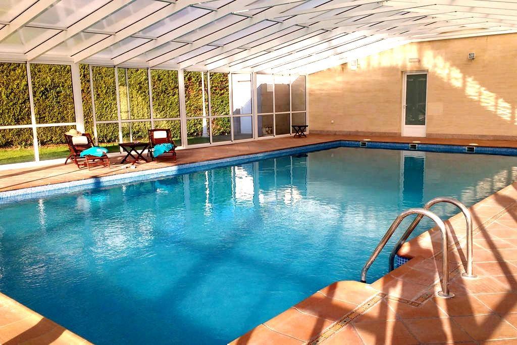 Relax next to Salamanca: private swimming pool. - Urb. El Soto (Aldeatejada)