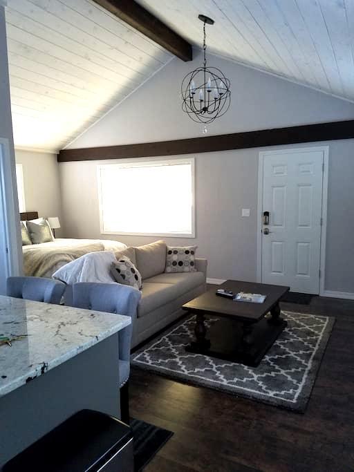 Upscale Studio - Boise - Guesthouse
