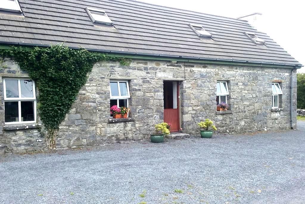 Burren Cottage Retreat, Kilfenora. - kilfenora - Appartement