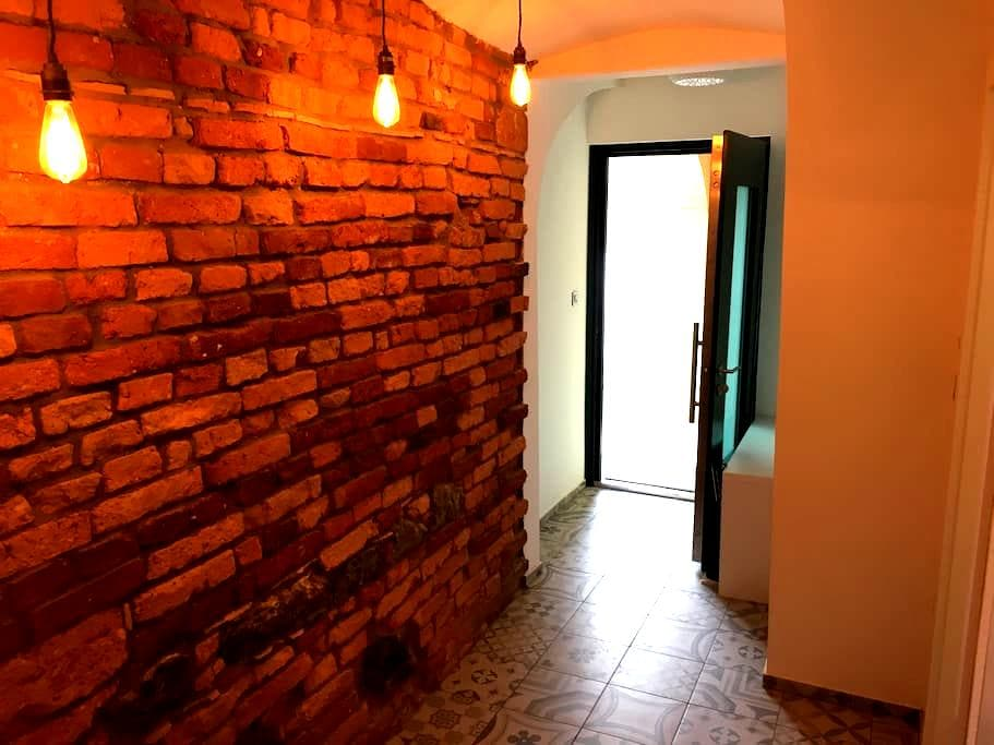 Ljubljana center luxury apartment+P - Liubliana - Apartamento