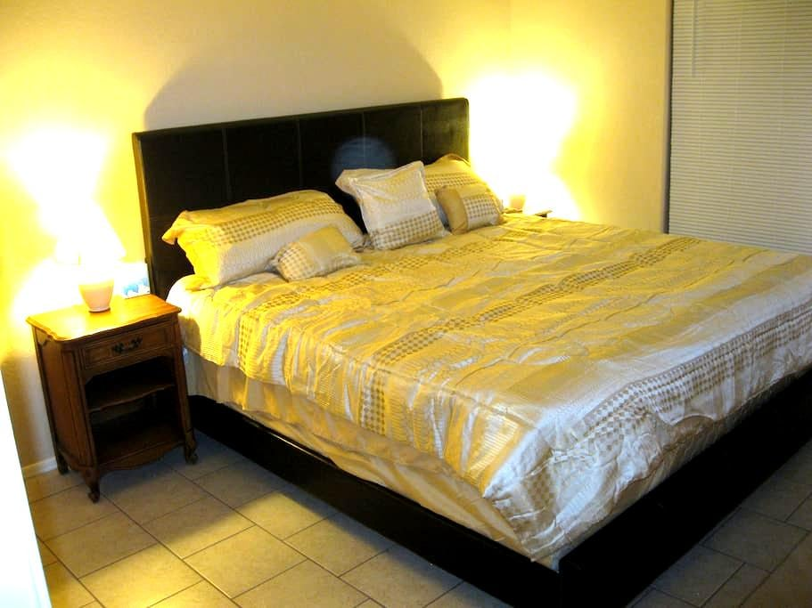 Quiet room in the desert - Arizona City - Bed & Breakfast