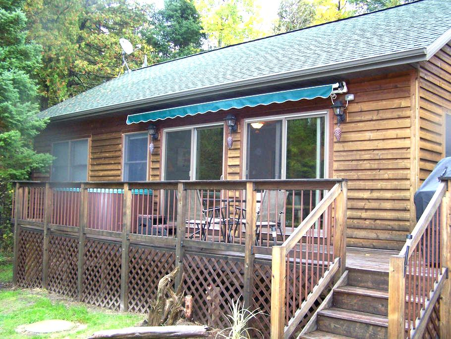 The River's Edge w/OUTDOOR HOT TUB! Canoe/Kayaks! - Indian River