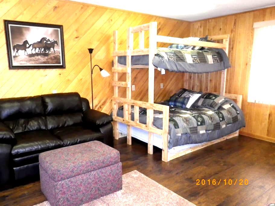 Snowmobile Mancelona Ski Boyne Shanty Bunk Cabin - Mancelona