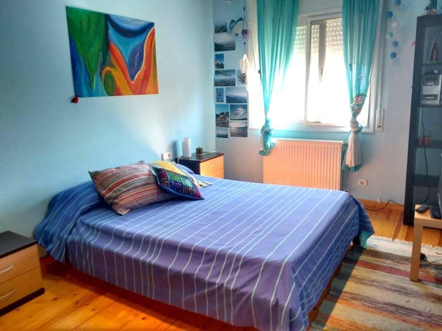 Private doble/triple room close to the beach - Valveralla