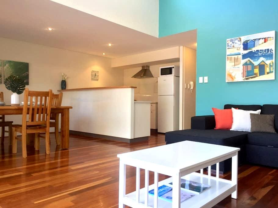 Modern & stylish 2BD 2BTH apt in the heart of town - Margaret River - Apartemen