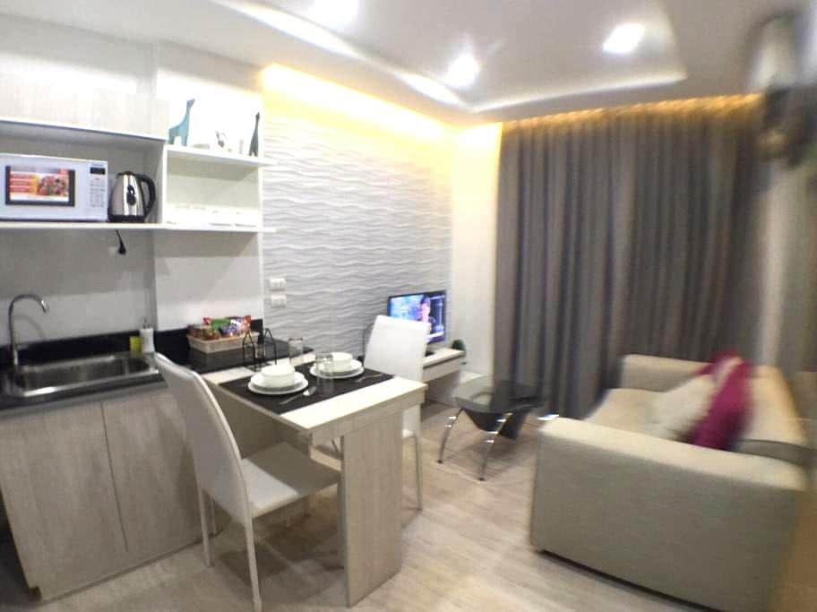 ห้องพักโทนสีฟ้าเทา สบาย อบอุ่น - ฟ้าฮ่าม - 公寓