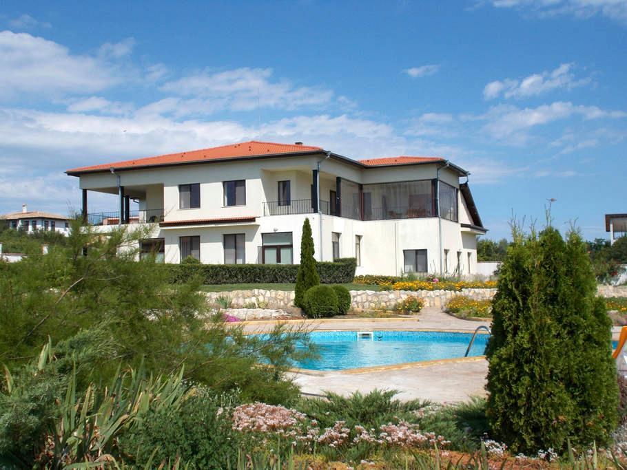 Self Contained Apt#3 Villa Kelti - Bliznatsi - Appartamento