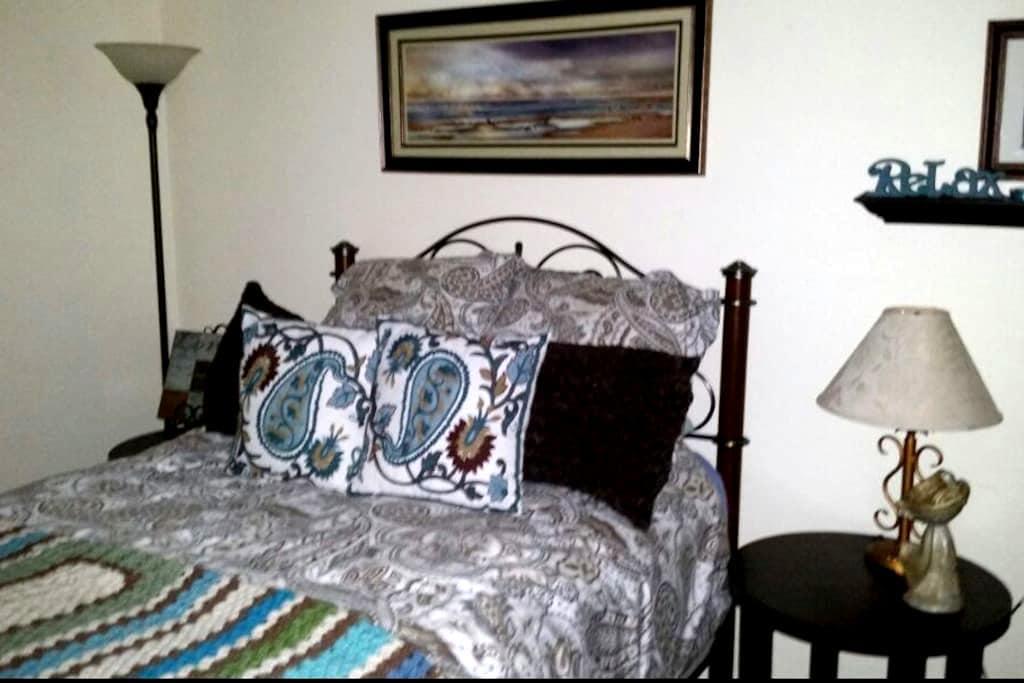 Comfy Guest Room Ocean Breeze/View - Oceanside - Pis