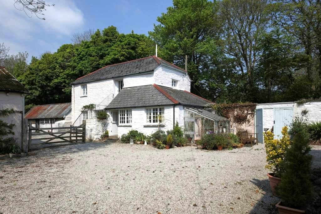 Albion Cottage, Mylor, Cornwall UK - Mylor Bridge - House