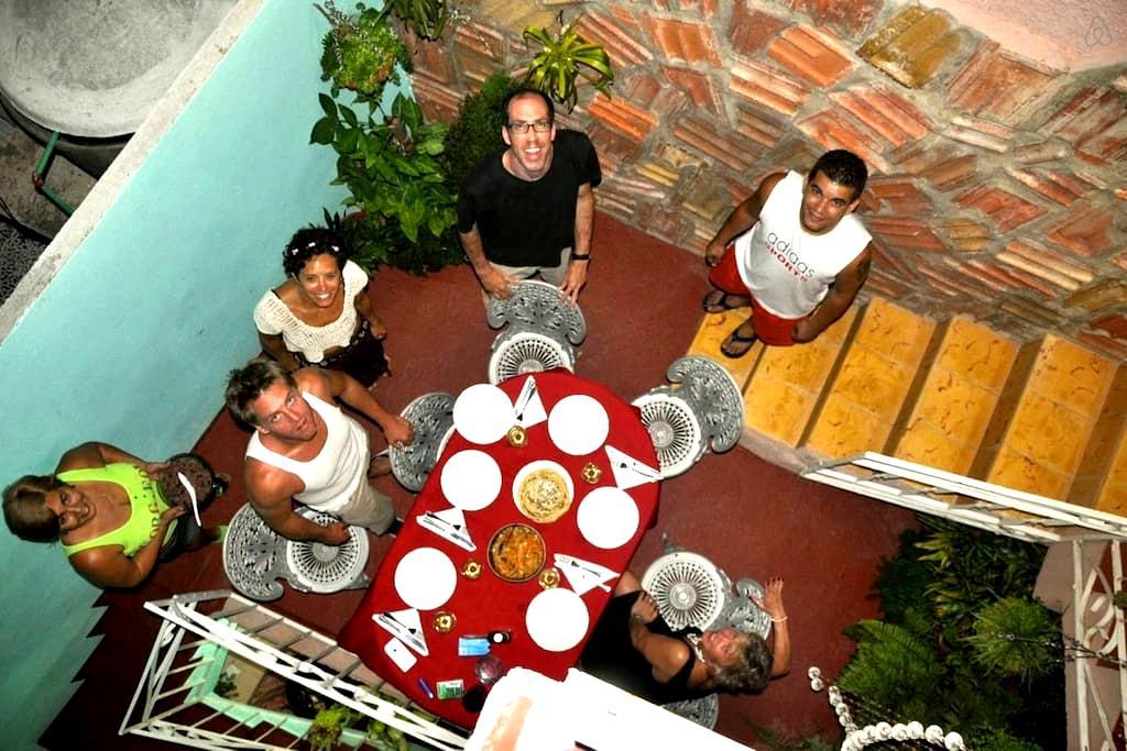 Hostal Fany y Odalis (Hab 1) - Trinidad - House