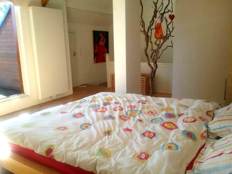 Sunny duplex 80m+terrace, 3ch, 5 be - Genappe - House