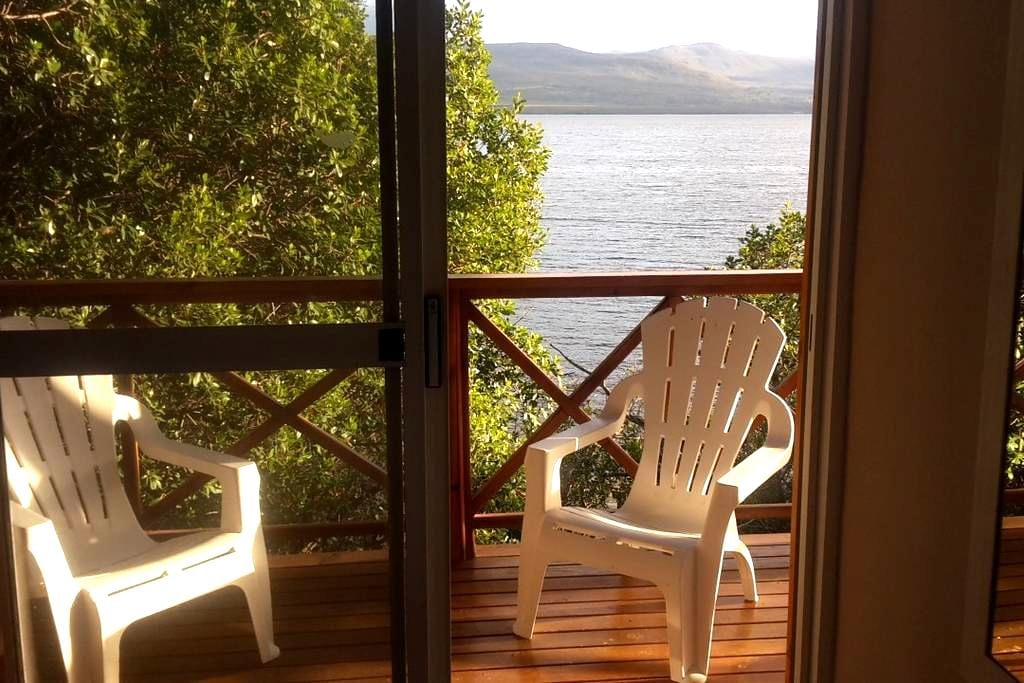 Beautiful log cabin on lagoon - Hermanus - Cabane